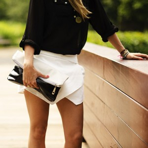 Folded clutch White